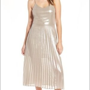 [Love, Fire] Metallic Pleated Midi Dress